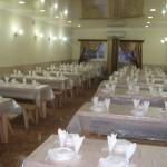 חדר האוכל באומן - הכנסת אורחים בזמני העליה הקבועים